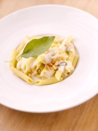 poivre, penne, pignon, gorgonzola, beurre, basilic frais, crème fraîche épaisse