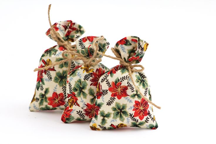 OCT: Lavender bag sachet christmas xmas holly fabric natural twine