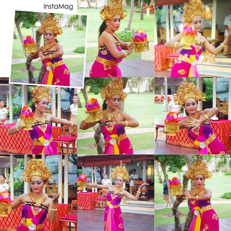 Sekar Jagad - Balinese Flower Dance by Staff