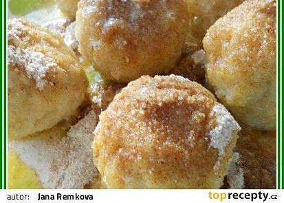 Jablkové knedlíky od tetičky Labajky recept - TopRecepty.cz