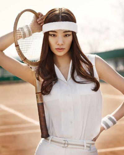 Stephanie Lee for Singles Korea April 2015