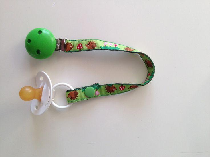 Schnullerbänder - Nuckelkette Igel - ein Designerstück von Julinka-Kids bei DaWanda