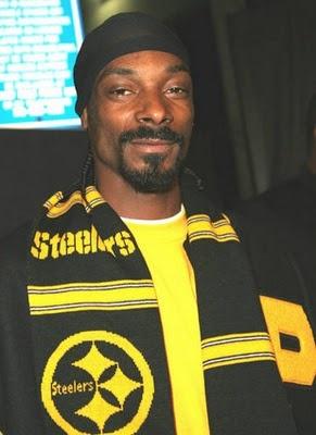Snoop Dogg in Steelers gear