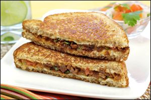 PIN THIS – Taco-rific and Melty Mushroom-Swiss Grilled Cheese recipes from Hungry Girl!