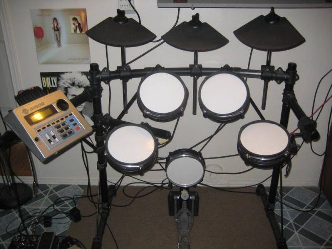17 best images about drum sets on pinterest red eyes pearls and pearl drums. Black Bedroom Furniture Sets. Home Design Ideas