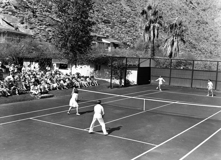 Enjoy a special walking tour of the Historic Tennis Club Neighborhood led by the Palm Springs Historical Society. Get an inside look at how Modernism took center stage in this lovely Palm Springs neighborhood situated at the base of Mt. San Jacinto.