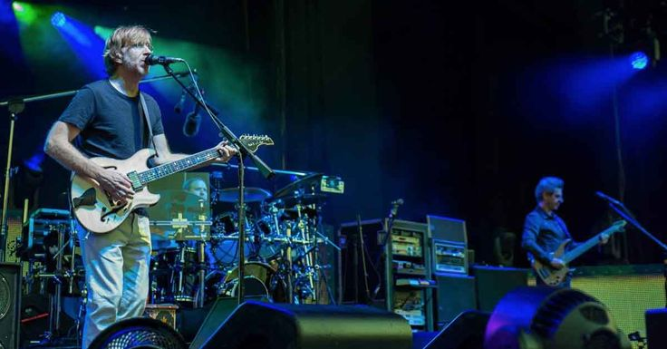 """Watch Phish Cover Tupac's """"California Love"""" in the Middle of """"Wolfman's Brother"""""""
