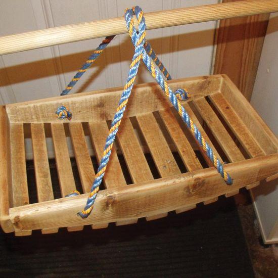 Handmade Garden Basket - Farm and Garden - GRIT Magazine  http://www.grit.com/farm-and-garden/do-it-yourself/garden-trug-zm0z15jfztri.aspx#axzz3O0CycNIE