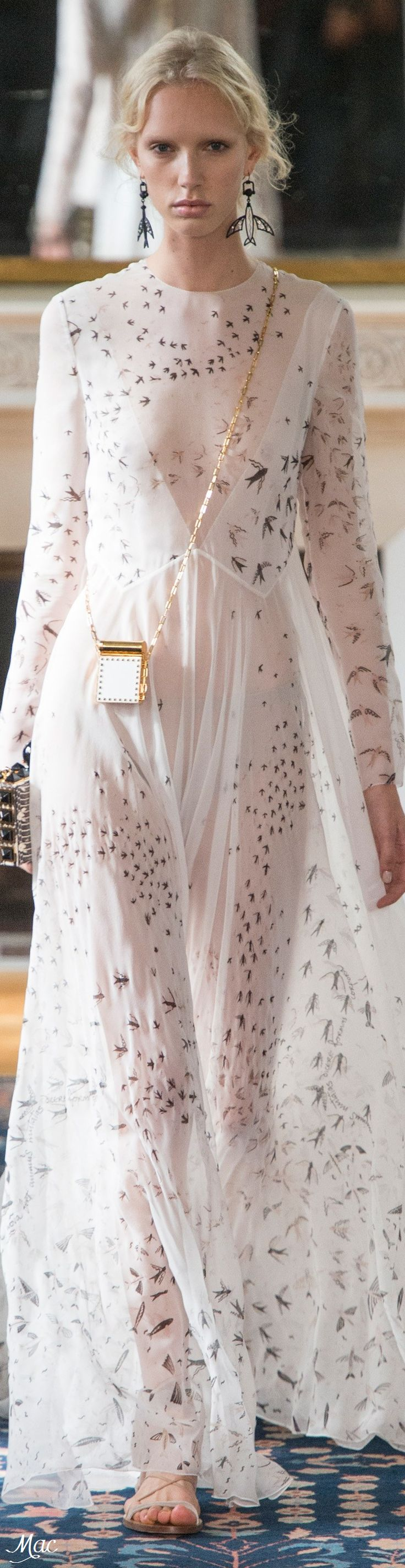 Spring 2017 Ready-to-Wear Valentino