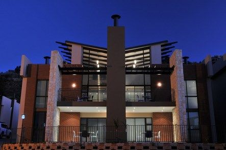 All Suite on 14TH in Fairlands provides a welcome haven to both business and leisure guests. Situated just off the NI's 14th Avenue off-ramp, adjacent to the MTN head office and at the foot of the Northcliff rocky outcrops, it provides an excellent alternative for Johannesburg conferences and accommodation.  #atGuvon