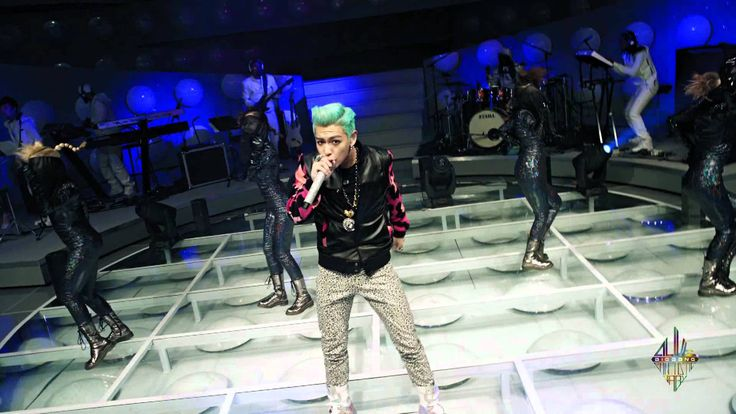 BIGBANG - YG On Air ▶ FANTASTIC BABY Probably 1 of the few clip that i see T.O,P. dance....lolz @リン 神田