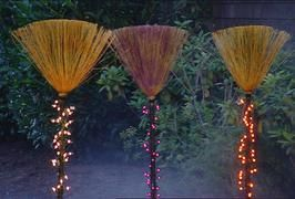 Illuminated Witches' Broomsticks how to: Halloween Decorations, Decorations Crafts Holidays, Halloween Fall, Halloween Broom, Lighted Broom, Halloweendecorations, Witch Broom, Halloween Ideas
