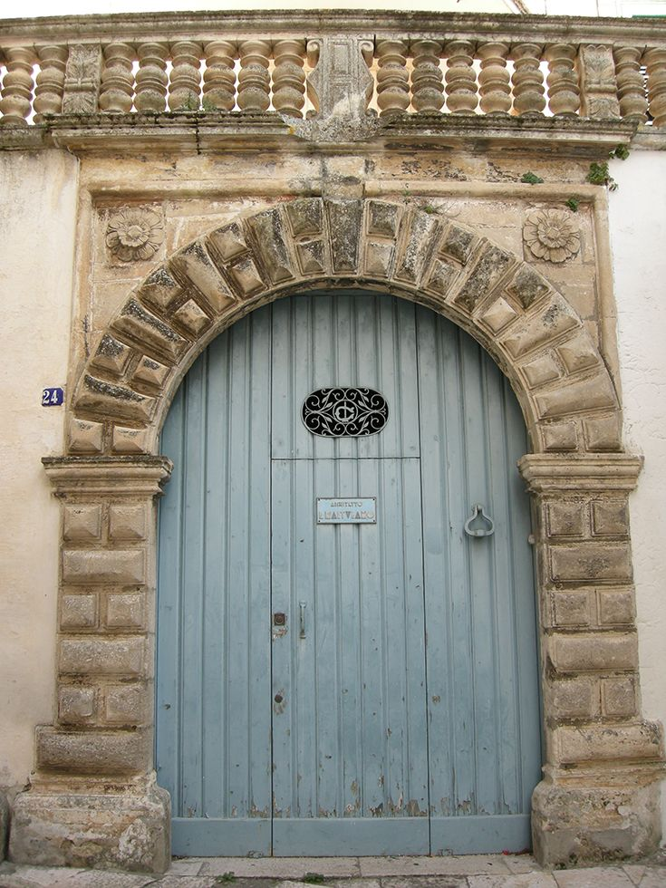 dooway in the old town of Martina Franca