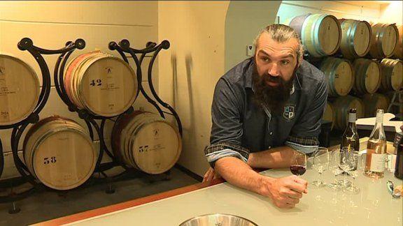 Homme d'affaires avisé, Sébastien Chabal se lance dans la production de vin à Pujaut, dans le Gard.