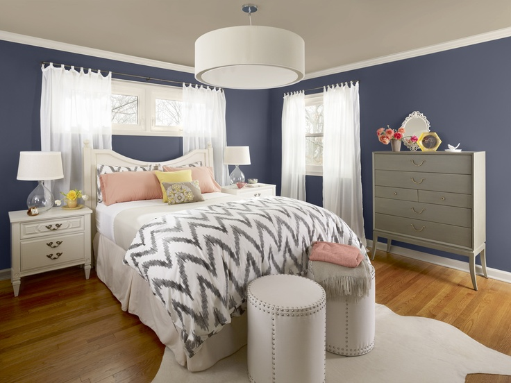 dark blue walls (Benjamin Moore evening dove - 2128-30), tan ceiling (Benjamin