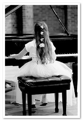 Google Image Result for http://www.pianodealersnj.com/img/bw_photo_piano_girl.jpg