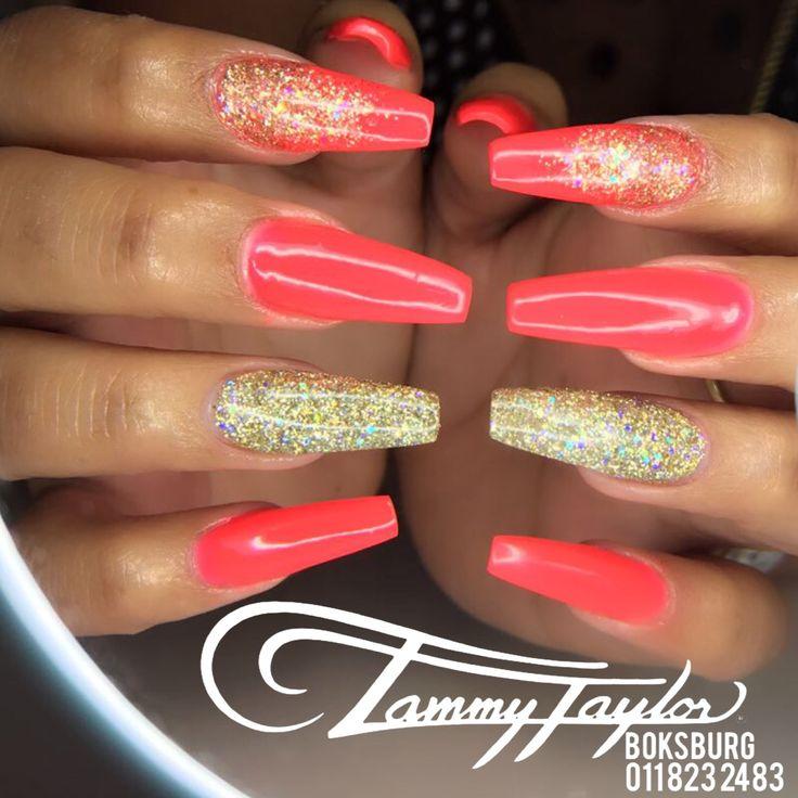 Coral + Gold Nails #tammytaylor