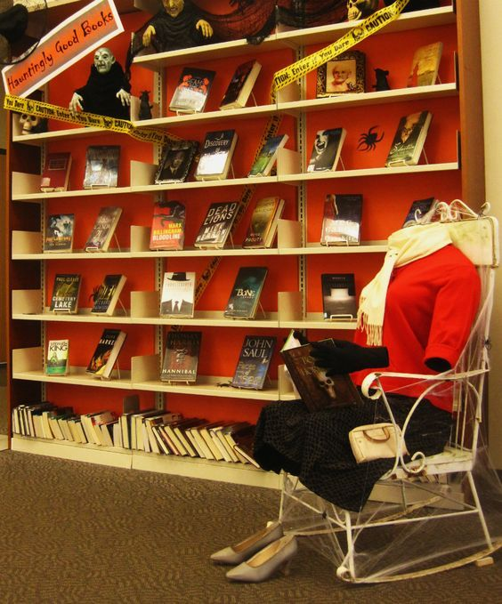 18 Halloween Library Displays That Are Incredibly Creative