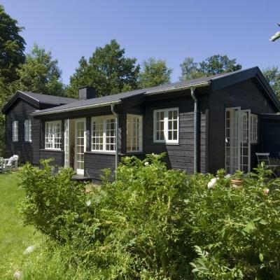 Fra nedslidt helårsbolig til lyst og hyggeligt sommerhus, hvor selv vinteren føles lun  #cottage #denmark