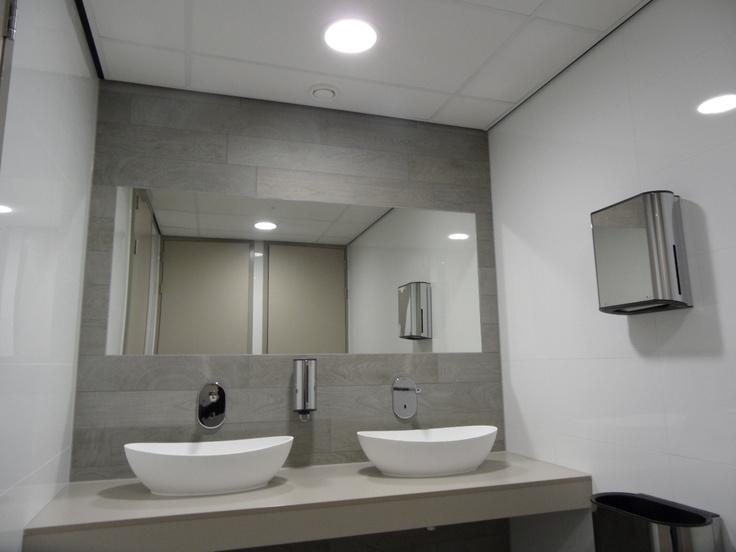 Tortu solid surface wastafels badkamer pinterest for Complete badkamer aanbieding