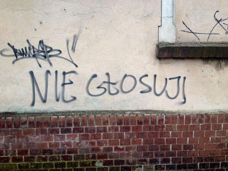 Niektórzy ludzie mają dość polityki i wszystko co jest z nią związanego - czyli także wyborów. Autor tego graffiti Wrocław do takich się zalicza.#wybory #wybory2015 #graffiti #Wroclaw
