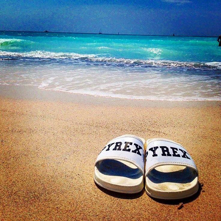SLIPPERS #new #collection #pyrex #summer #slippers #white #springsummer16 #pyrexoriginal #nothingbetter #summerstyle #streetstyle #pyrexstyle #godsavethestreet