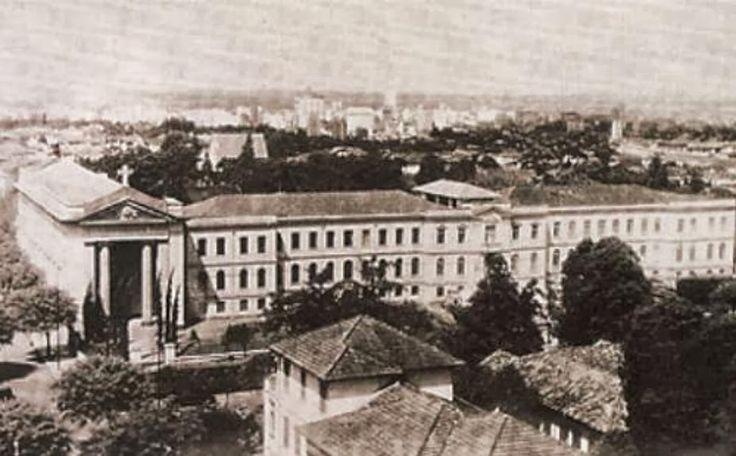 Avenida Paulista Colégio São Luis déc. 1940.