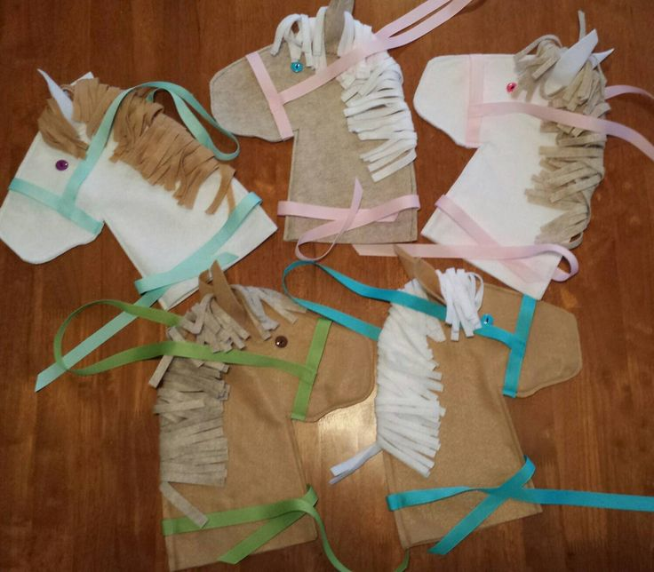 Horse Party Favors Ready to Stuff and Add Sticks by SEWnSoHandmade on Etsy https://www.etsy.com/listing/467633549/horse-party-favors-ready-to-stuff-and
