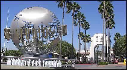Студия Universal в Стамбуле! Самая известная американская студия кинофильма Universal Pictures объявила свои планы построить киностудию и тематический парк в Стамбуле. Министр экономики Турции Зафер Чаглаян заявил, что Стамбул довольно оптимистично встретил планы строительства второго Голливуда.