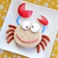 Sandwich Crab for a kids lunch or snack! Cute Snacks, Cute Food, Good Food, Yummy Food, Kid Snacks, Healthy Snacks, Food Art For Kids, Cooking With Kids, Toddler Meals