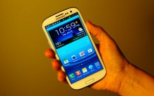 The Samsung Galaxy S III is a rocket ship Android phone, packed with new features. But which ones are really useful?