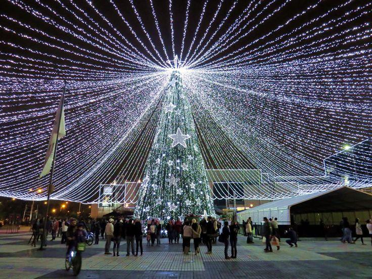 12. Árbol de Navidad Plazoleta Centro Comercial Gran Estación cerca del Hotel Radisson AR Bogotá Airport