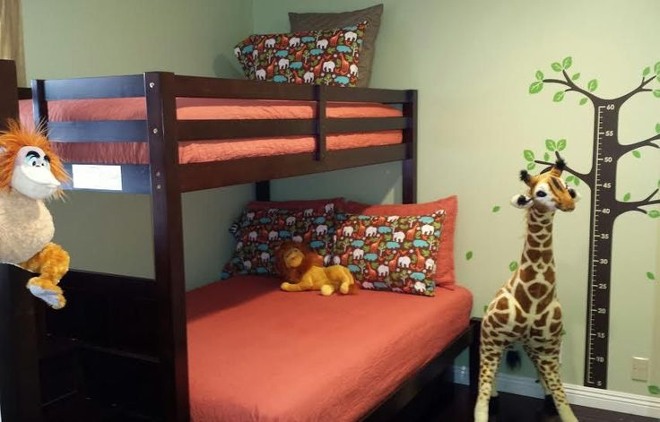 Welcome to Adventure Townhouse! Inspired by Adventureland, you'll have the feel of being there with Mickey-ana Jones & his jungle-safari friends! This vacation home is one of the most kid-friendly properties. ...