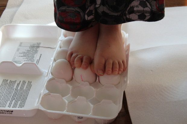 How strong is an egg? Egg experiment for kids