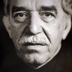 Bajo un aguacero extraviado, el 6 de marzo de 1927, nació Gabriel José García Márquez. Hoy, jueves 17 de abril de 2014, a la edad de 87 años murió en Méjico el escritor colombiano ganador del Premio Nobel en el año 1982.