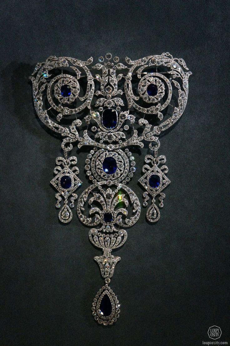 Cartier, Stomacher brooch, 1907, platinum, diamonds, 8 sapphires @GrandPalais Antique Jewelry