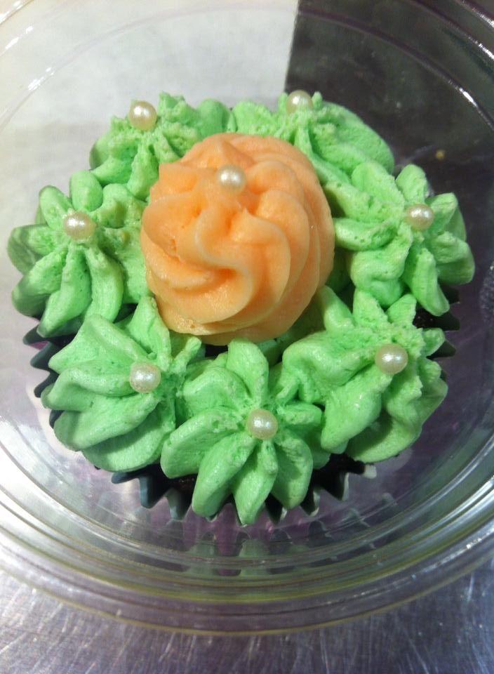 Επειδή εδώ στα Μαριλού cupcakes and more, ΜΠΟΡΟΥΜΕ στο λεπτό να δημιουργήσουμε ένα ιδιαίτερο cupcake για την ιδιαίτερη περίστασή σας!!!   #cupcakes image on #Marilou #Cupcakes http://www.marilous.gr/fb-gallery/