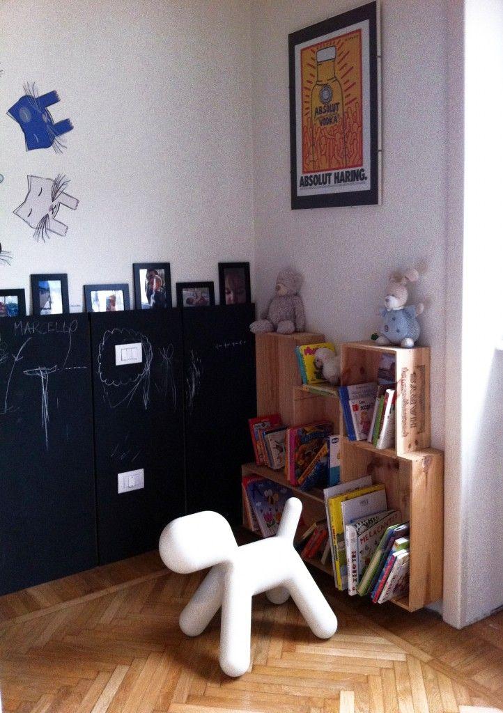 Dormitorio infantil con pizarra y original alfombra - Dormitorio infantil original ...
