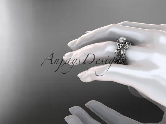 bague de mariage noeud celtique Trinité diamant par anjaysdesigns                                                                                                                                                                                 Plus