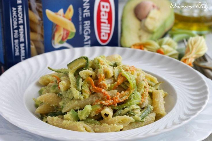 Un primo piatto semplice e sfizioso da preparare, le Penne con Avocado e Zucchine sono una ricetta particolare ma davvero gustosa e delicata