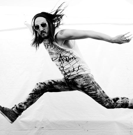 steve aoki #iHeartRadio #electro - Listen to Steve Aoki here: http://www.iheart.com/artist/Steve-Aoki-198788/