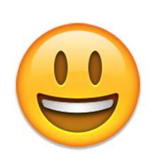 visage souriant avec la bouche ouverte
