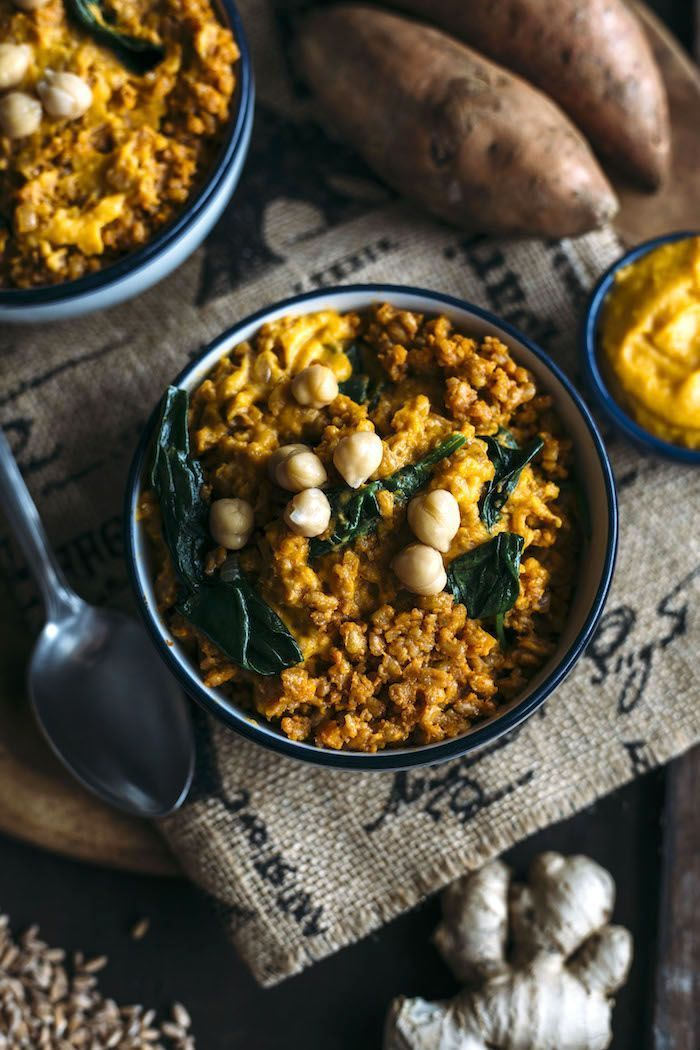 Curry Farro combines with mashed sweet potatoes for a tasty side dish | http://thealmondeater.com