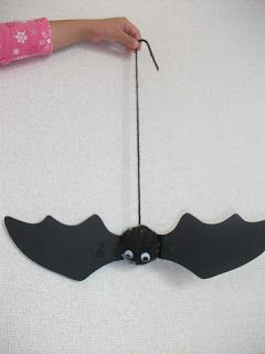 Preschool Crafts for Kids*: Bouncy Halloween Bat Craft