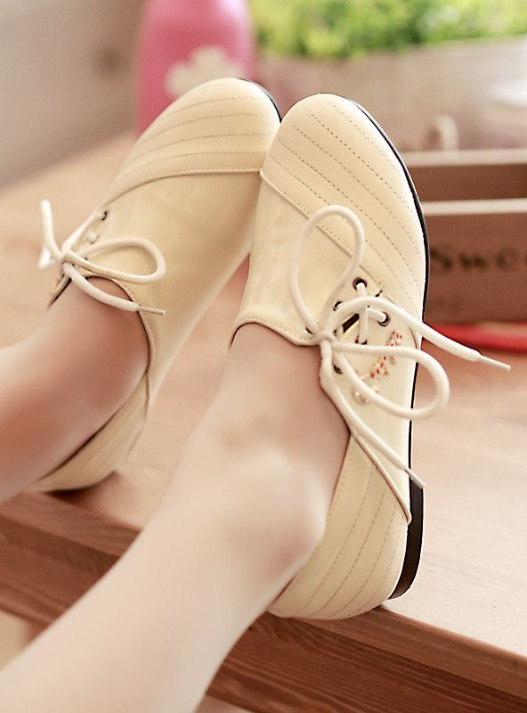 2013 vintage fashion lacing flat round toe flat heel single shoes casual plus size female shoes from Reliable united flats suppliers on Feline Fan's store. $28.41