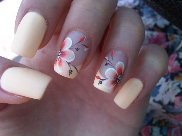 Uñas de gel con flores - Gel nails with flowers
