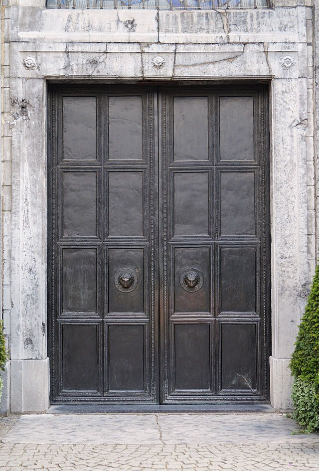 Bronze Doors, Aachen Palace Chapel. 750.