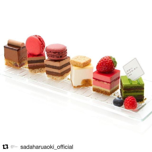 #Repost @sadaharuaoki_official (@get_repost) ・・・ 食文化の中心地フランスが認めたパティスリー。それが、サダハル・アオキ。. . そんなパリで、最初の店を開いてから早16年。「パティスリー・サダハル・アオキ・パリ」は、パリっ子の生活になくてはならない店として定着し、今は日本の皆さまにもリアルなパリの味をお楽しみ頂けるようになりました。. . pâtisserie Sadaharu AOKI paris日本公式アカウントでは、現在のパリっ子がおいしいと認めているリアルな味やこだわり、季節に合わせたおすすめスイーツのご紹介などをさせて頂きます。  #sadaharuaoki #サダハルアオキ #デザート #デセール #dessert #チョコレート #ショコラ  #chocolate #chocola #paris #instasweets #スイーツ #インスタスイーツ #スイーツ部 #マカロン #macaron #ケーキ #プチケーキ #cake #instafood #foodstagram #抹茶 #maccha #いちご #苺…