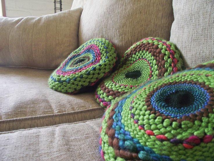 Cojines realizados en telar circular