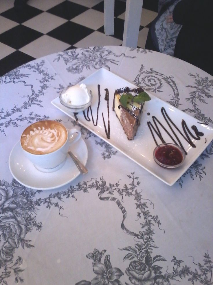 Cafe Mozart locals swear that it is the best chocolate cheesecake on the planet.....  #Madame Zingara #Church street, #Capetown